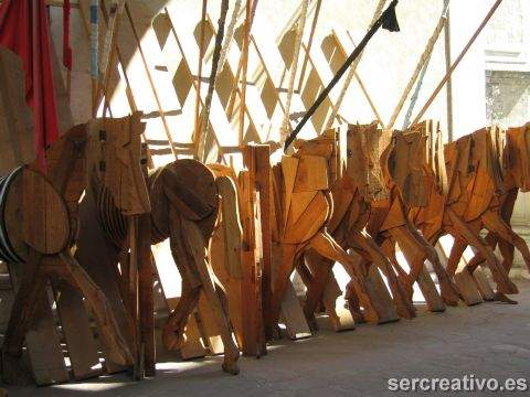 caballos de madera ceroli