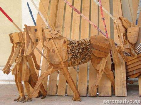 caballos de madera de Mario ceroli
